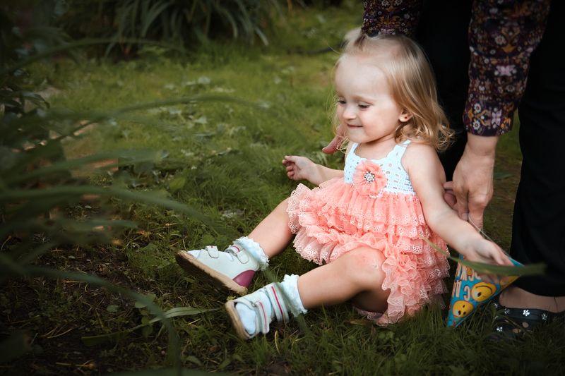 детство, семья, ребенок, портрет, цвет, лето, тепло, child, childhood, portrait Пчелка Роксанаphoto preview