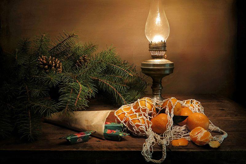 елка,мандарины,конфеты,лампа С наступающим Новым годом!photo preview