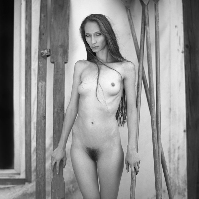 akt, nude, analog, women, hasselblad, ninoveron, fineart, eyes, bw, 6x6, Gracjaphoto preview