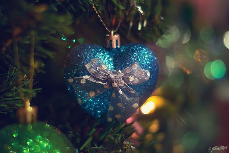 ёлочная игрушка, макро, боке, мишура Кусочки новогодней красавицыphoto preview