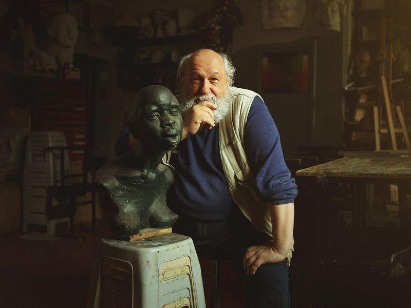 скульптор и его работа... ***photo preview