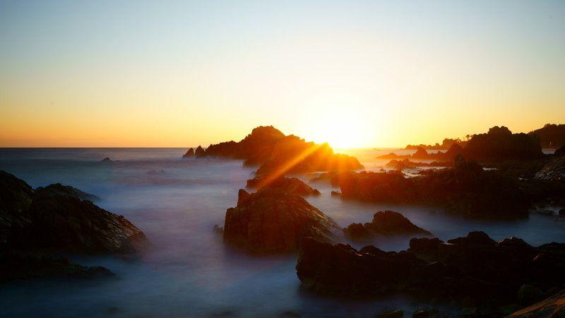 south korea,kangwondo,sunrise,winter,sea,seascape,water fog,sun,horizontal,sunlight,rock island,january,2018 Sunrise, january 1, 2018photo preview