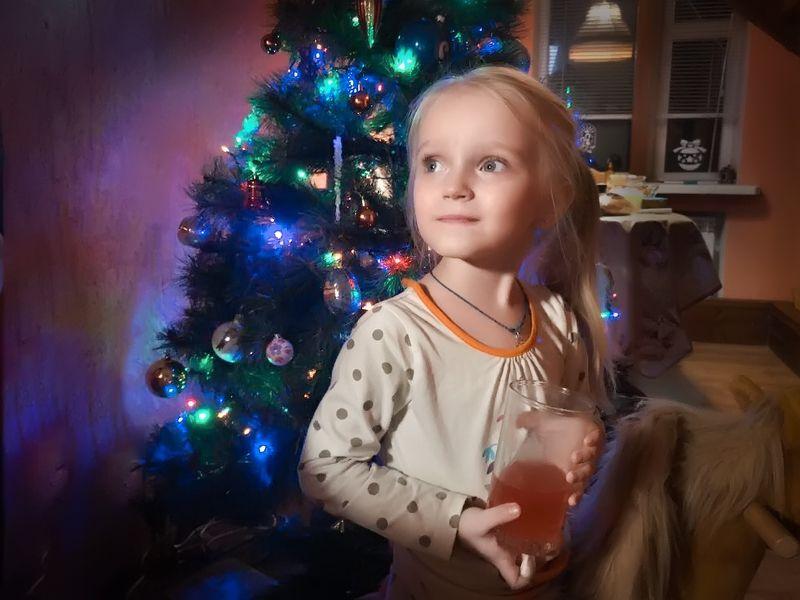 Детство, ребёнок, елка, праздник, Новый год, подарки, child, childhood С наступившим!photo preview