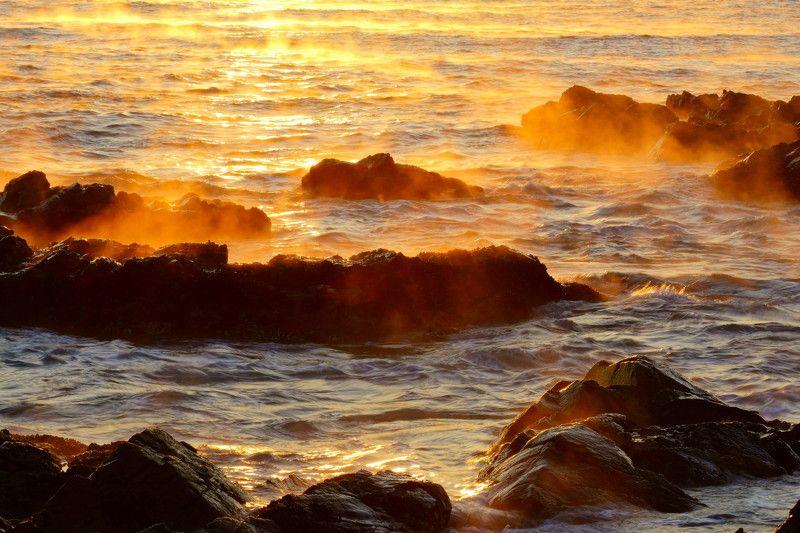 south korea,geongsananamdo,sunrise,winter,sea,seascape,water fog,sunlight,waves Water fog in the morning seaphoto preview