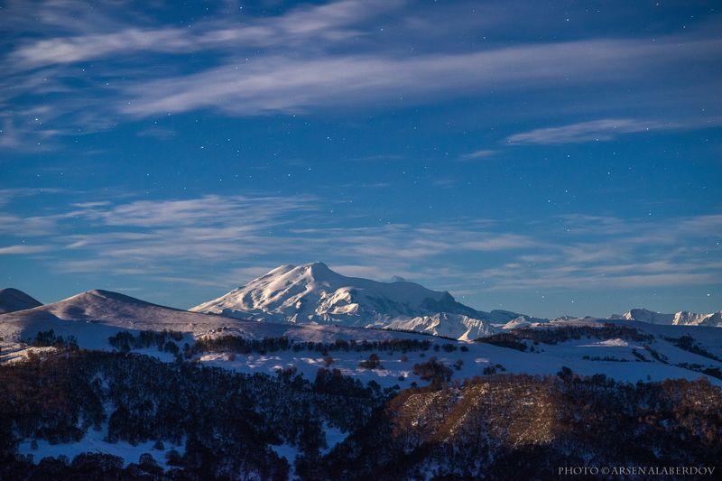 горы, предгорья, осень, хребет, вершины, пики, озеро,каньон, обрыв, скалы,облака, путешествия, туризм, карачаево-черкесия, кабардино-балкария, северный кавказ,ночь, ночная съёмка,звёзды,звёздное небо,эльбрус НОЧЬ НАД ЭЛЬБРУСОМphoto preview