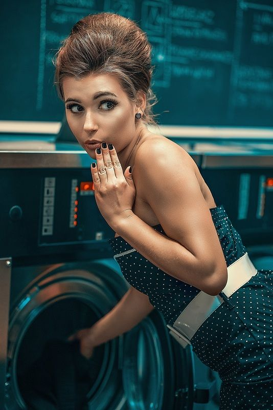 portrait pinup woman retro vintage Laundryphoto preview