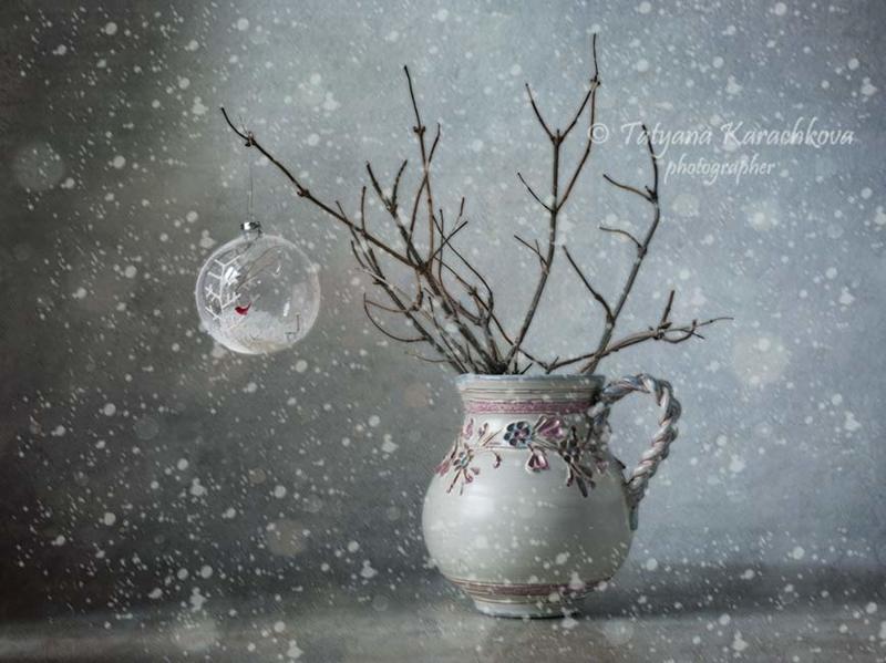 зима, натюрморт, ветки, кувшин, елочная игрушка Элегия. Зимаphoto preview