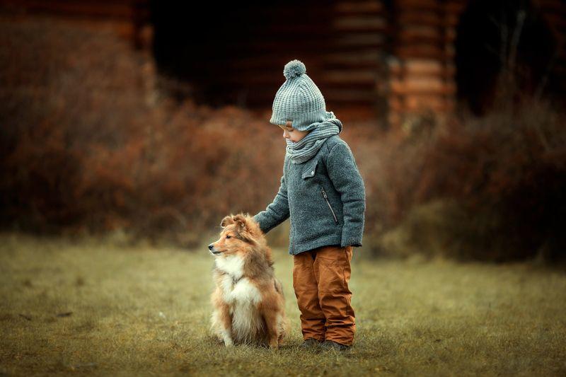 Мальчик, собака, друзья, осень, прогулка Мой лучший друг.photo preview