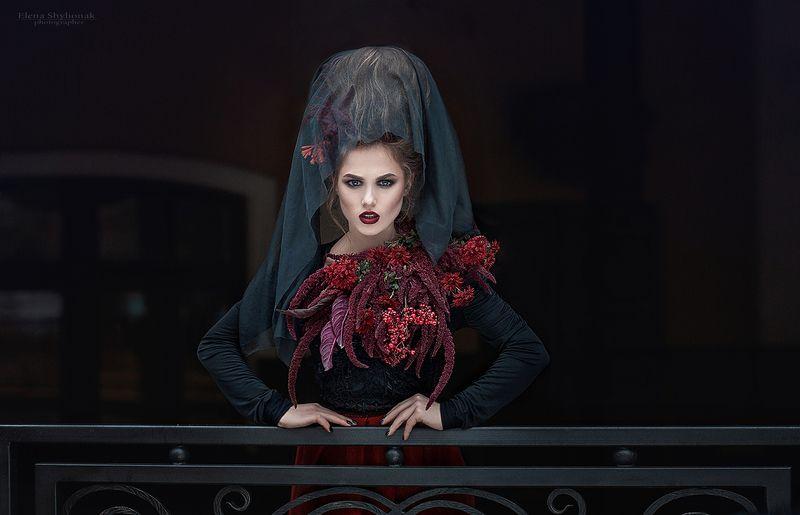 готика, черный, красивая девушка, живые цветы, черная королева ****photo preview