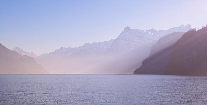 горы, озеро, луч Lightphoto preview