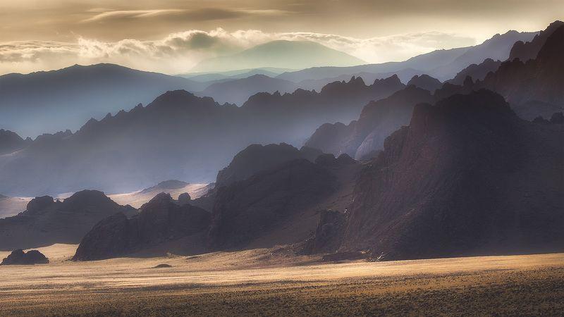 Монголия, Mongolia Цепи Монгольских горphoto preview