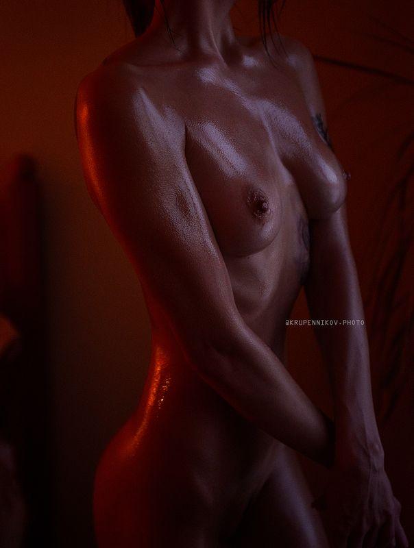 ню, окно, естественный свет, масло, тело, изгибы,  Виолеттаphoto preview