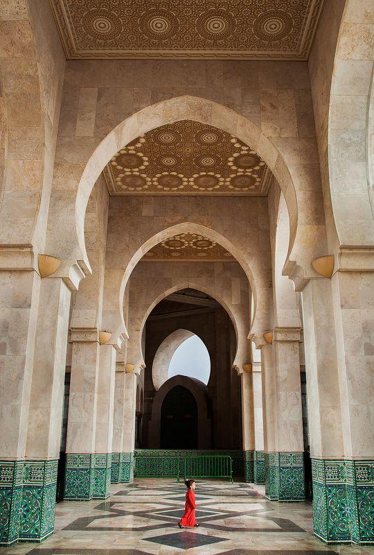 марокко, мечеть, портрет, путешествие, африка Девочка в красномphoto preview