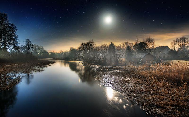 village, river, night Sleepy Villagephoto preview