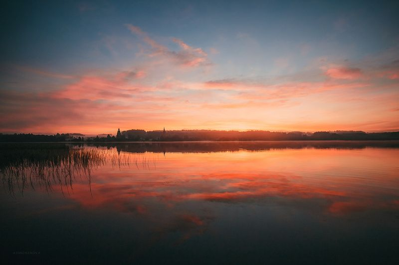 утро озеро туман берег природа архитектура церковь солнце Утро в Ширково 2photo preview