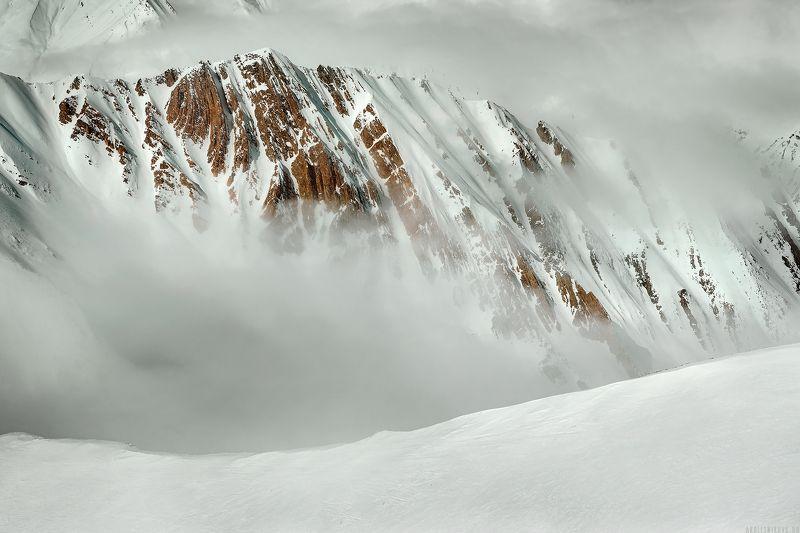 горы, зима, снег, грузия, гудаури Над облакамиphoto preview
