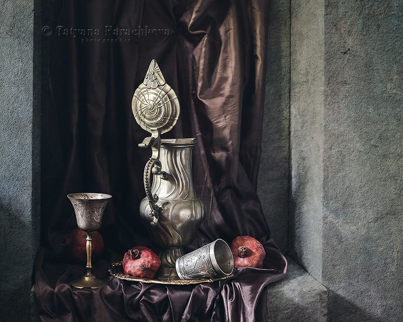 натюрморт, ниша, кувшин, фужер, фрукты, гранаты Забытые...photo preview