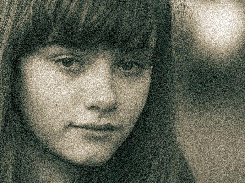 портрет Давно  забытые  лицаphoto preview