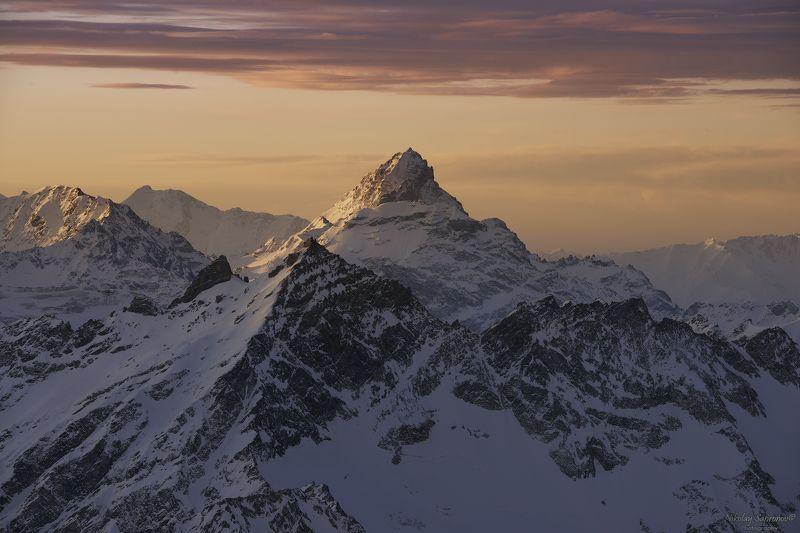 главный кавказский хребет, гкх, кавказ, северный кавказ, кавсказские горы, азау, рассвет, снежные горы, caucasus, приэльбрусье, вид с эльбруса, elbrus, эльбрус, чегет \