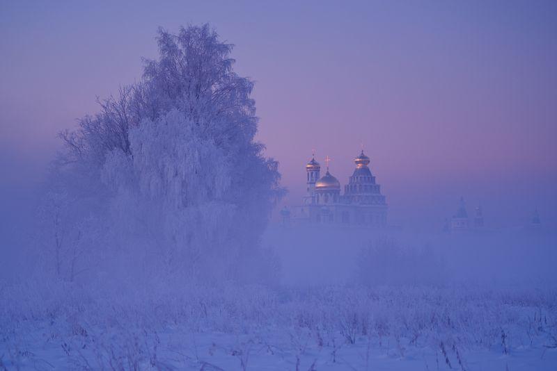 Восток румянится восходом.photo preview