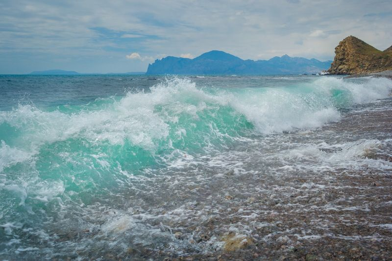 крым ! Галечный пляжphoto preview