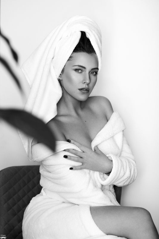 bw, black and white, portrait, fashion, monochrome, beauty, towel, woman, look, style  Towel seriesphoto preview