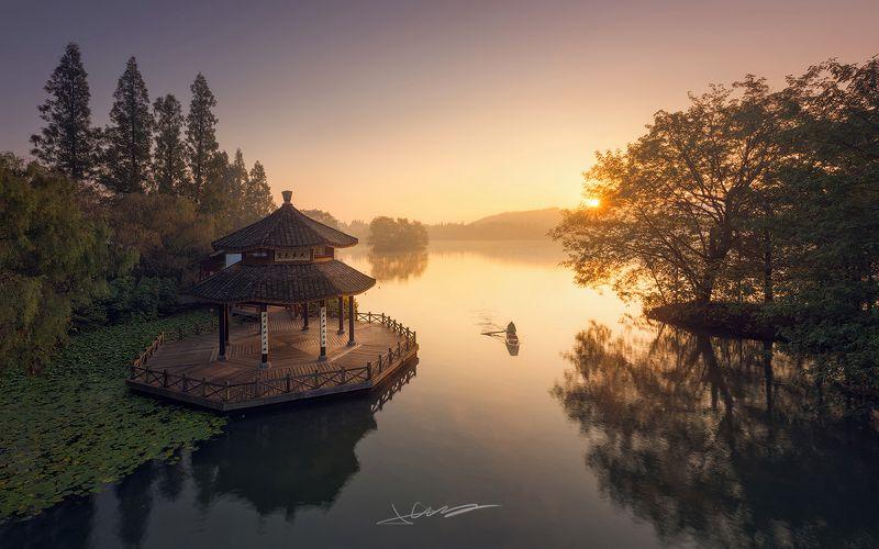 landscapes,sunrise,light,lake,china, West Lakephoto preview