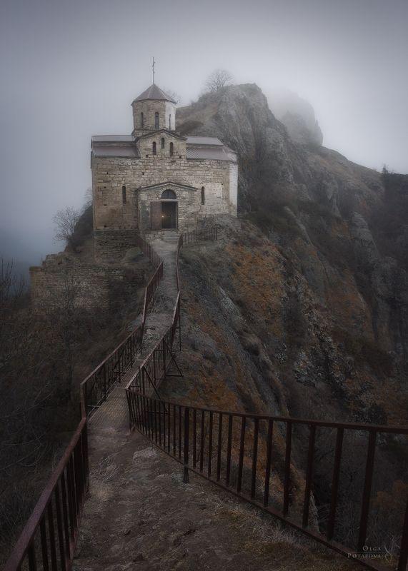 кчр, храм, церковь, кавказ, весна, туман, древность Путь столетийphoto preview