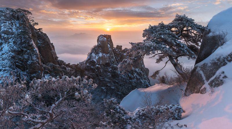 Bukhansan, National park, Seoul, mountains Dobongsan Dreamingphoto preview