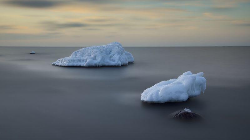 Icebergsphoto preview