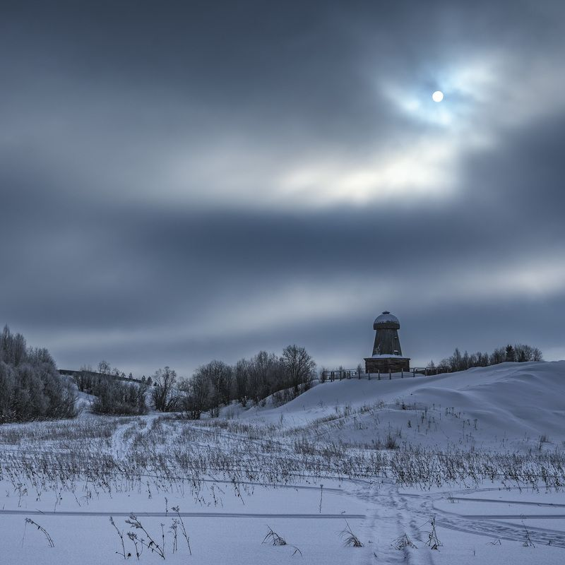 зима снег солнце тучи Сквозь тучиphoto preview