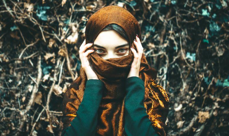 Womanphoto preview
