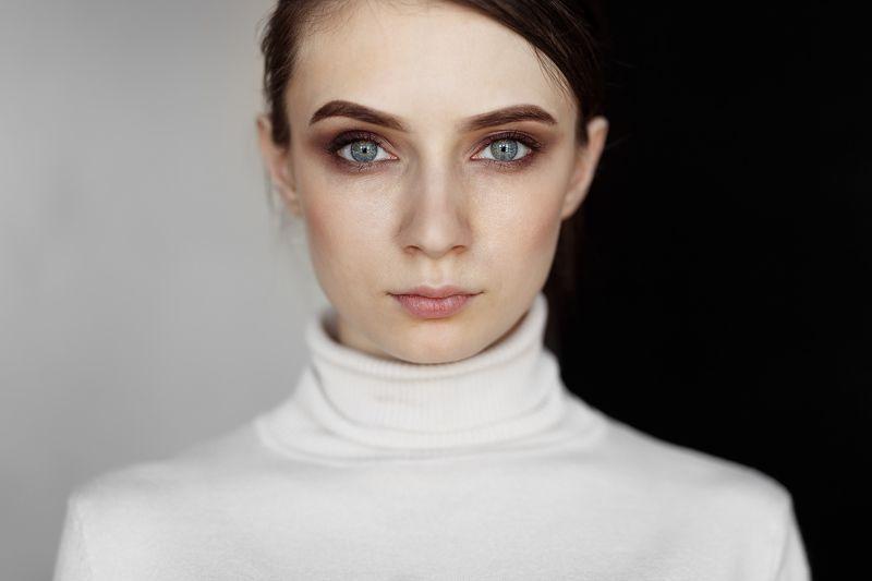 portrait, girl, people, color, eyes, light, девушка, studio, студия, портрет, head, свет, человек, эмоции, цвет, фотосессия photo preview