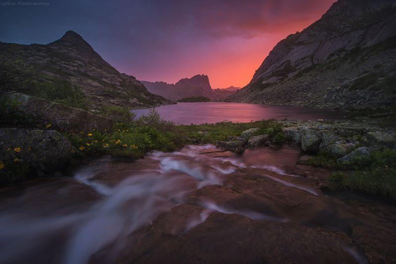 Ергаки, озеро, Горных Духов, рассвет, Россия, горы Рассвет на озере Горных Духовphoto preview