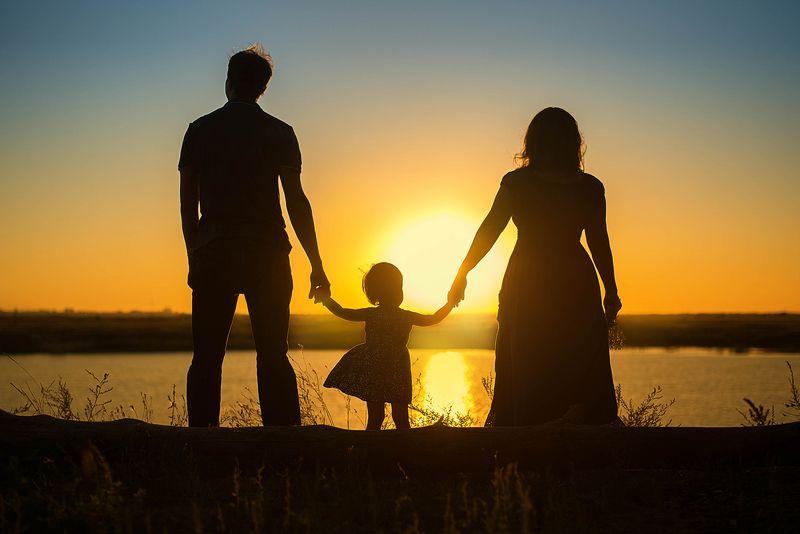 закат семья дочка счастье ...photo preview