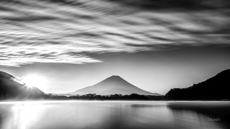 Fuji,Japan,mountain,cloud,lake,water,sun,sunrise,sunshine,beautiful,amazing,wonderful Start of the Dayphoto preview