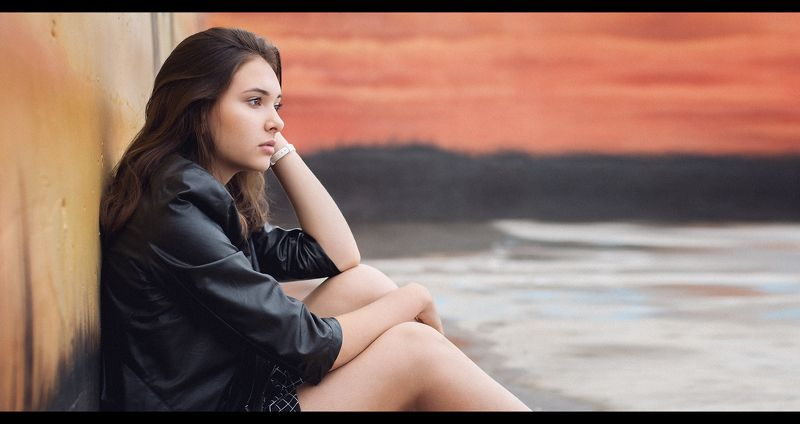female, girl, woman, teen, teenager, people, portrait, young, youth, cute, pretty, beauty, beautiful, young, youth, lifestyle, fashion, style, city, urban, street, brunette, colors, town Colorsphoto preview