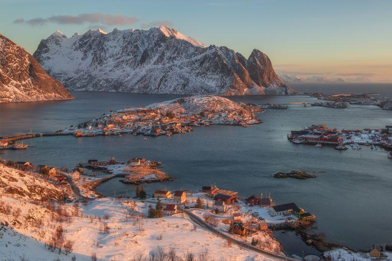 Лофотенские острова, Рейне  Рассвет над Рейнеphoto preview
