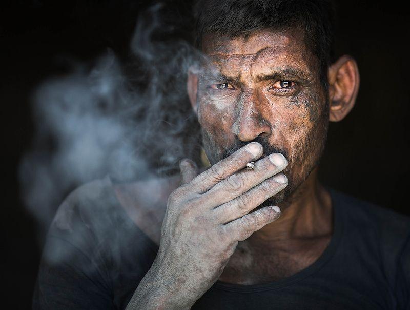 индия, фототур, портрет, мужчина Рабочий из маленького городка...photo preview