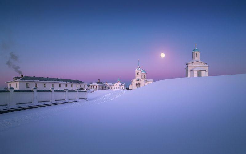 зима, снег, вечер, монастырь, церковь Последний вечер зимыphoto preview