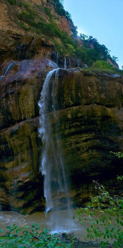 Фрагмент Чегемских водопадов - ветренноphoto preview