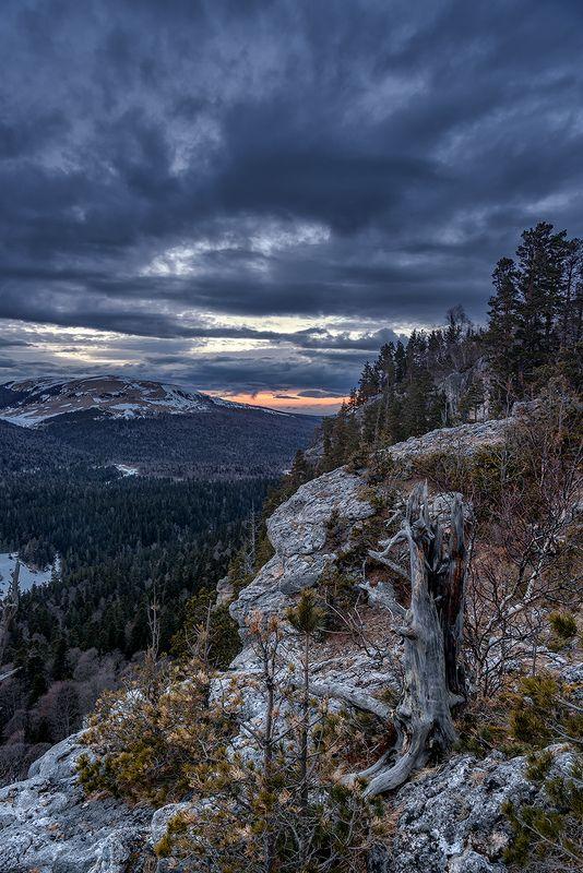 закат, рассвет, горы, лаго-наки, утюг, адыгея, краснодарский край, пейзаж, На скале \