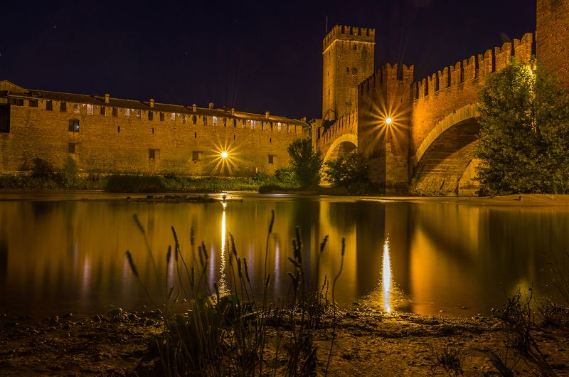 night lights river tower bridge travel city archtecture verona italy Verona nightsphoto preview