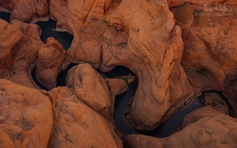 forbidding canyon, lake powell, erosion, holiday, lake powell, recreation, arizona, usa, walls, water Пикник в Каньоне Зловещийphoto preview
