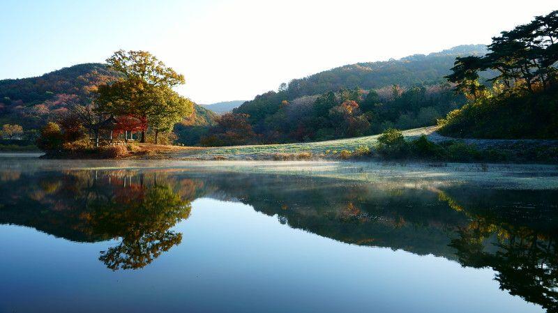 korea,autumn,morning,landscape,reservoir,reflection,mountain,pog,fine tree Morning lightphoto preview