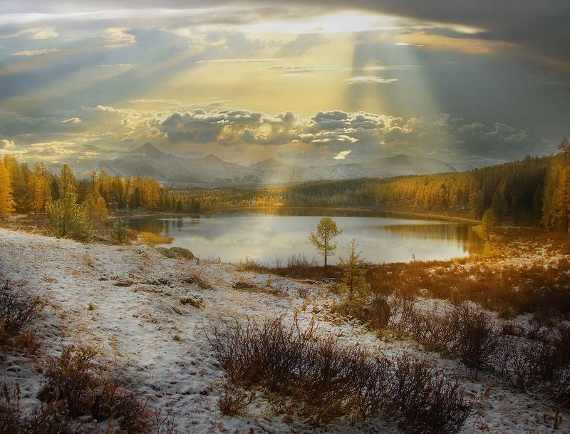 алтай, природа, путешествие, осень Игры света на озере Киделю!photo preview