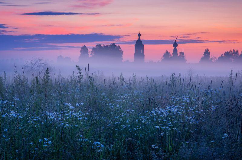 Июльский туманный рассвет в Ярославской областиphoto preview
