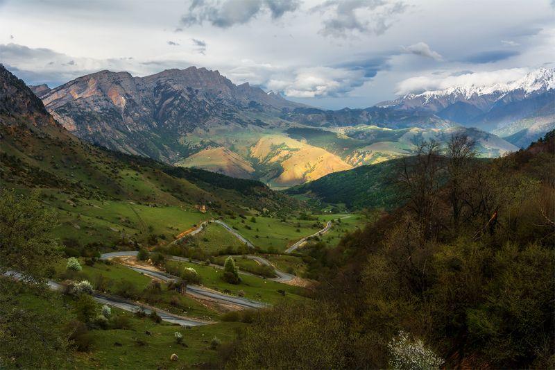 природа, пейзаж, кавказ, горы, весна, вечер, панорама, закат, солнце, небо, облака, свет, дорога *photo preview