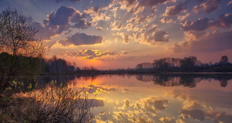 весна, утро, рассвет, озеро, облака, отражение Весенним утромphoto preview