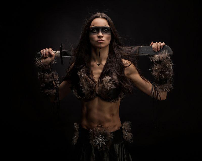 тира, госпожа, мародёров, хаоса, неделимого, фэнтези, девушка, меч, warhammer Тира, Госпожа мародёров Хаоса Неделимогоphoto preview